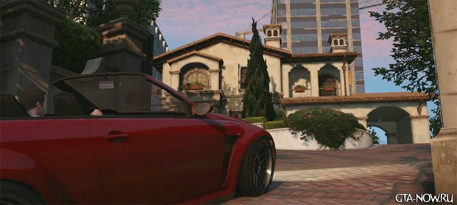 Майкл в красной машине